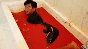 Challenge Bathtub Do Not Take A Spicy Sriracha Bath Rtm Rightthisminute