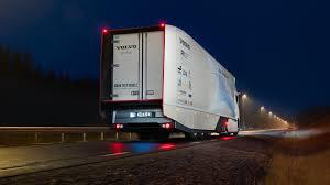 trak volvo trak hibrid konsep volvo guna sistem navigasi untuk pengurusan