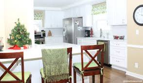 green with decor decorating the living room for christmas on a 10 easy christmas decorating ideas in the kitchen and bathroom this blogger has great christmas
