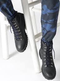 boots for men u0026 women buy men u0026 women boots online myntra