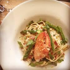 cuisiner un homard quoi faire avec les carcasses d homard harnois à la carte