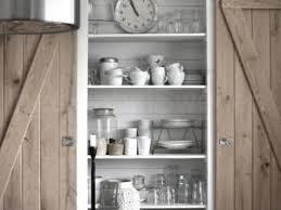 grand placard cuisine besoin d un grand placard en cuisine par regards et maisons
