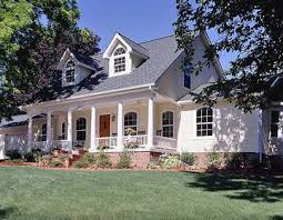 Houses With Big Porches Best 25 Farmers Porch Ideas On Pinterest Patio Swing Patio Bed