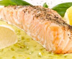 cuisiner le saumon pavé de saumon sur lit de poireaux recette de pavé de saumon