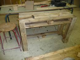 fabriquer un bureau en palette fabriquer un bureau avec des palettes avec bureau en palette l avec