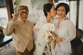 indonesian brides 7 things to expect when attending an indonesian wedding asia