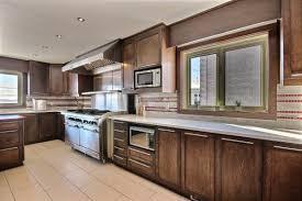 cuisine en bois massif moderne armoire de cuisine bois massif cuisine sur mesure cuisine en bois