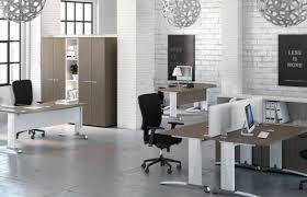 decorer un bureau faire la déco de bureau quel intérêt à s y investir