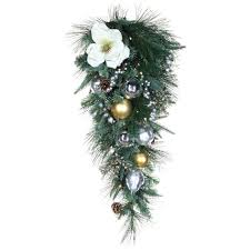 Christmas Garland With Lights by Christmas Wreaths And Garland