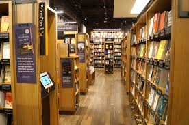 amazon u0027s first bookstore what we glimpsed inside this mysterious