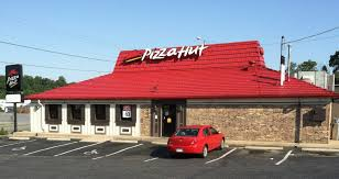 hut manager refuses to make employees work on thanksgiving gets fired