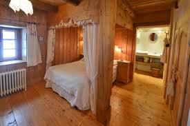 chambre hote jura charme le crêt l agneau location chambre d hôtes n 25g215 à la