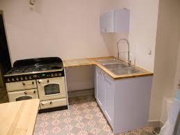 cuisine avec plan de travail en bois cuisine avec plan de travail en chêne massif avec façades laquées