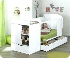 amenager un coin bebe dans la chambre des parents lit bebe chambre parents bebe et une seule chambre parents a