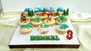 dinosaur cupcakes keiku cake dinosaurs theme cupcakes