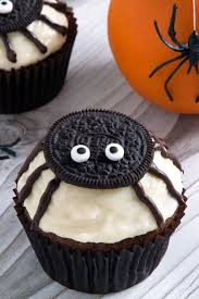 Halloween Bundt Cake Decorations by 35 Spooktacular Halloween Cupcake Recipes Spider Cupcakes