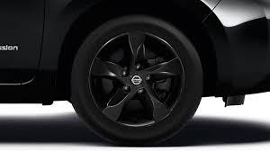 car nissan black nissan leaf black edition u201c u2013 elektrinis automobilis u2013 hečbekas