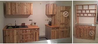 cuisine en palette bois mobilier palettes bois fabulous bar en palettes en bois with