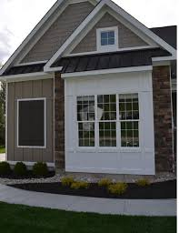 window bump out house exterior pinterest window bay dining bump out add continuous metal roof over it same roofline