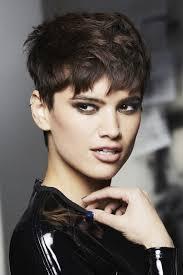 coiffure courte coupes de cheveux courts album photo aufeminin - Coupes Cheveux Courts Femme