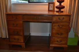 annie sloan chalk paint u2013 french linen on an old desk