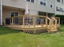 How To Build A Deck Handrail Deck Railing And Spindles Vinyl And Wood Deck Rails Decks R Us