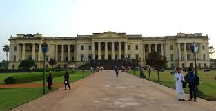 file hazarduari palace full front view jpg wikimedia commons