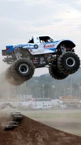 monster truck bigfoot video 246 best bigfoot 4x4x4 fans images on pinterest monster trucks