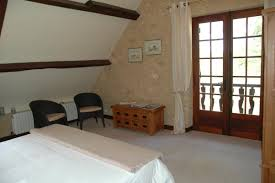 chambre acacia chambre d hôtes n 46g2479 beaulieu chambres d hôtes à milhac dans le lot