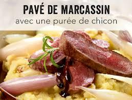 cuisiner du marcassin pavé de marcassin vec une purée de chicon et une échalote confite