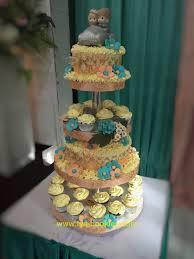 wedding cake balikpapan wedding cake dan cupcakes hijau tosca balikpapan fya cookies
