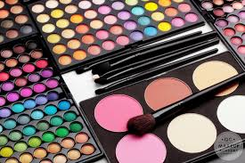 free makeup artist classes online 4 must haves for studying at online makeup schools qc makeup academy