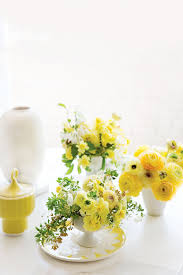Centerpieces For Round Dining Room Tables by Dining Room Leaves And Flower Dining Room Table Centerpieces On