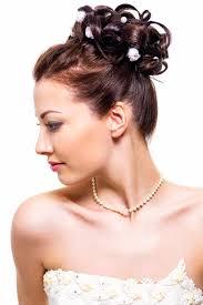 Hochsteckfrisuren Braut Locken by Curlies Mit Perlen Und Blüten Haarschmuck Für Braut Und Hochzeit