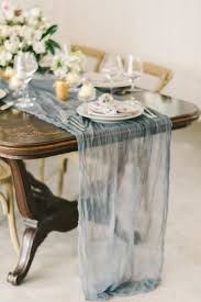 fabric for table runners wedding 25 chic spring table runners to try happywedd com