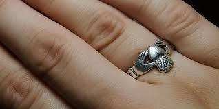 how to wear your wedding ring how to wear a claddagh ring
