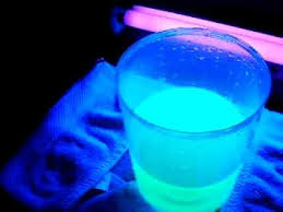 liquids that glow under black light glow in the dark water highliter liquid blacklight youtube
