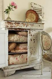 Vintage Linen Cabinet 185 Best Prim Cupboards With Old Quilts Images On Pinterest