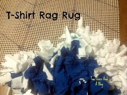 How To Make A Rag Rug From T Shirts Make It Monday Upcycled Tshirt Rag Rug Kentucky At Heart