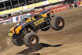 grave digger the legend monster truck monster truck madness top 20 scariest trucks of all time