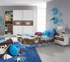 chambre pirate enfant decoration chambre pirate des caraibes raliss com