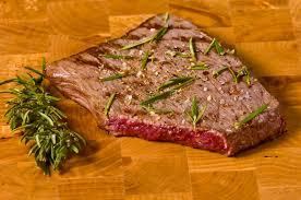 cuisiner un rumsteak rumsteak cuit image stock image du cuisinier cuisine 7679239