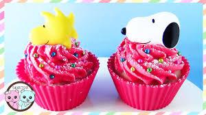 snoopy cakes snoopy cupcakes peanut cupcakes snoopy cake sugarcoder
