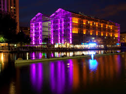 les hotels de siege inn express canal de la villette hotel by ihg