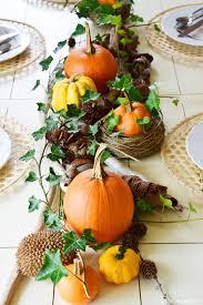 Esszimmer Herbstlich Dekorieren Herbstliche Tischdeko Mit Kürbissen Efeu Naturmaterialien Und