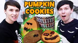 halloween baking pumpkin spice pumpkin cookies youtube