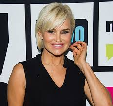 yolanda foster hair how to cut and style yolanda foster chops off her hair amid lyme disease struggle photo