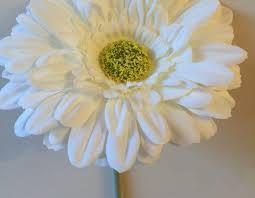 Beetle Flower Vase Short Stemmed 13cm Gerbera Flower Ideal For Vw Beetle Vase U2013 White