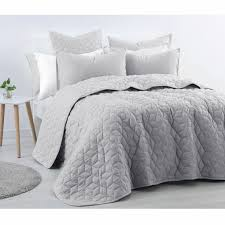 Geometric Coverlet 89 Best Bedspreads U0026 Coverlets Images On Pinterest Html