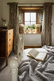 Pinterest Home Decor Bedroom Best 25 English Cottage Bedrooms Ideas On Pinterest English